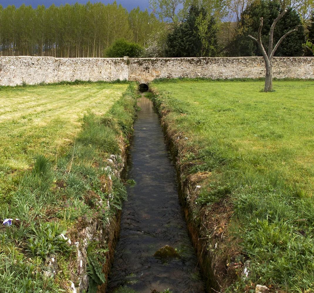 Stream that crosses the monastery