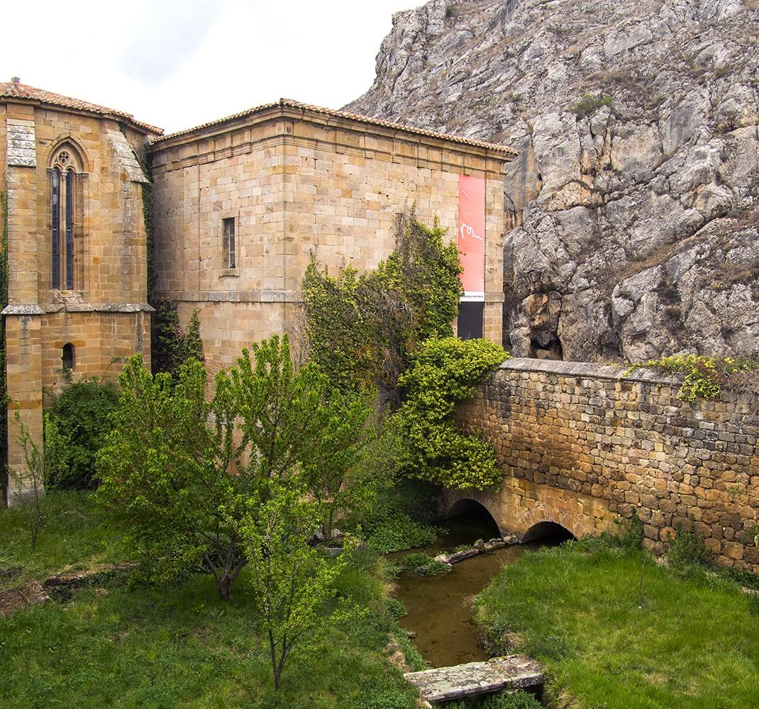 Springs courtyard