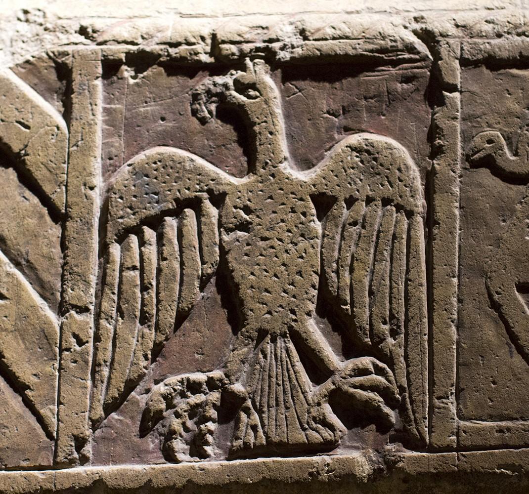 Polychrome tomb