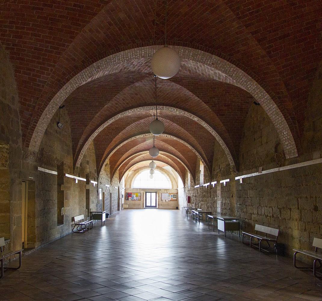 Salona (large room)