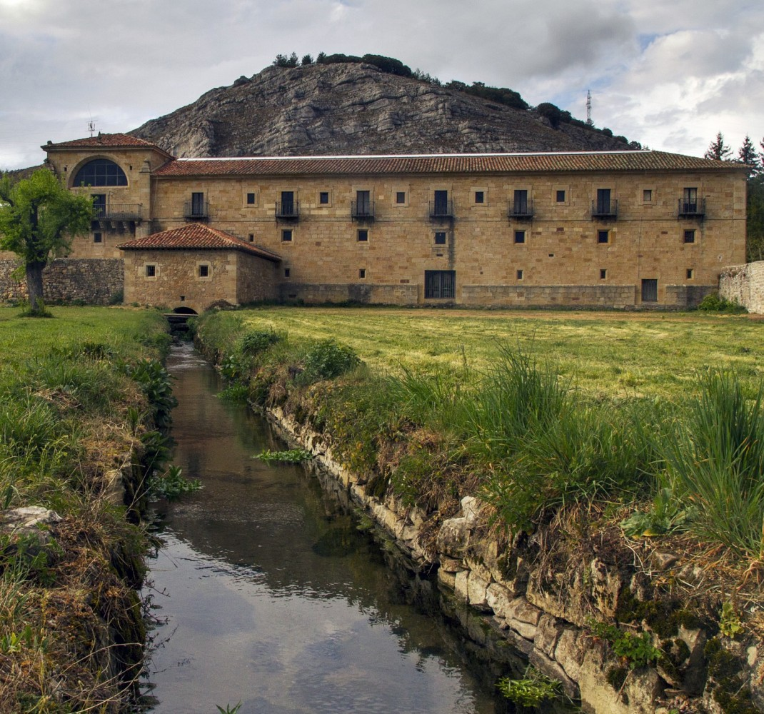 Arroyo que cruza el monasterio